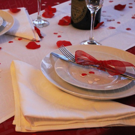 Additional Image #7 of 1220mm Rectangular Table Cloth - White